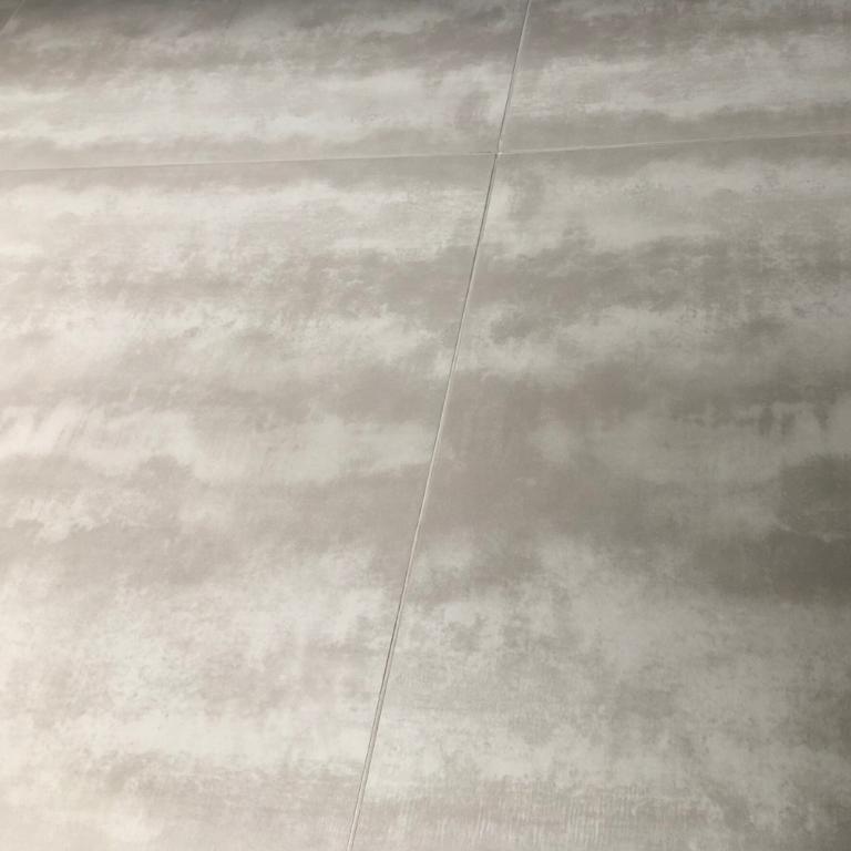 Keramische Binnen tegel BST-oxy silver grey